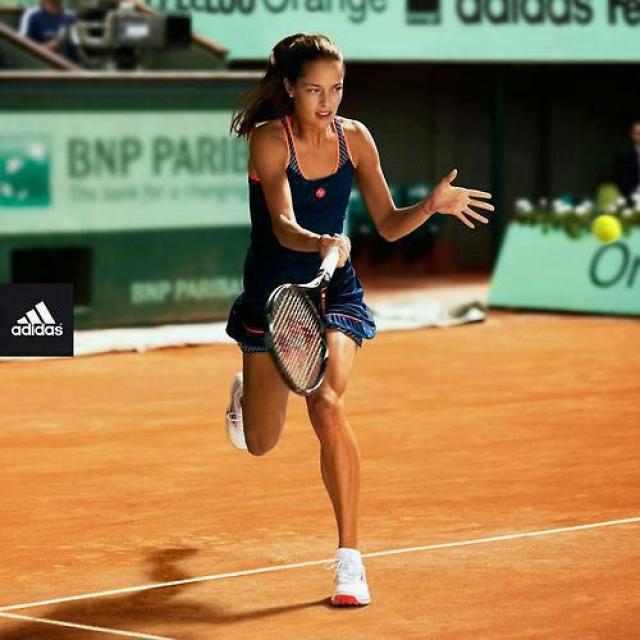 Ана Иванович. Сербская теннисистка покорила всех своей естественной красотой еще во времена активной спортивной карьеры.