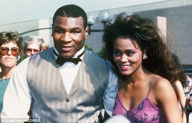 Майк Тайсон. Легендарный спортсмен, по словам его бывшей жены, актрисы Робин Гивенс, неоднократно ее избивал.