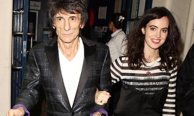 Ронни Вуд. Жена гитариста, 38-летняя Салли Вуд родила двоих дочерей 30 мая.
