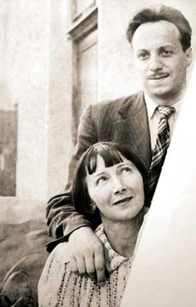 Во втором браке Зеленая нашла настоящее счастье. Своих детей у артистки не было — она воспитала двоих сыновей мужа.