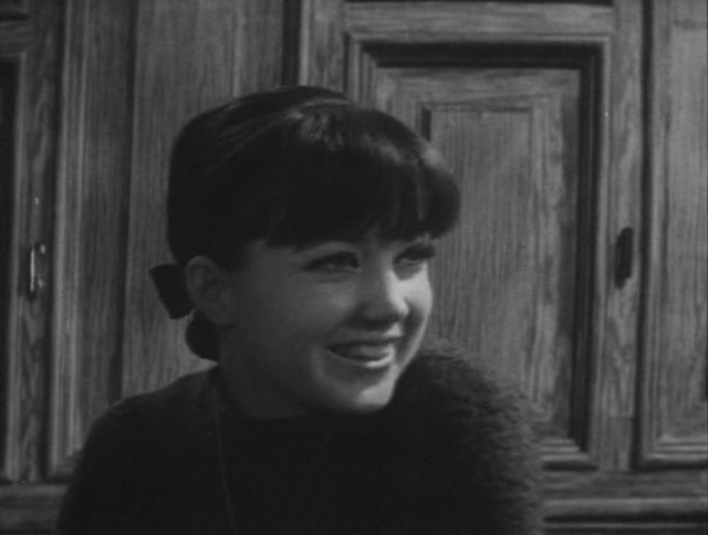 И снова детали никому неизвестны: по одной из версий, Регина начала встречаться с молодым югославским журналистом, который просто использовал ее для того, чтобы прославиться.