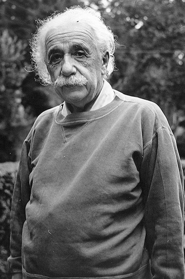 Альберт Эйнштейн. Великий ученый был вынужден покинуть родную Германию в 1933 году, чтобы спастись от националистов.