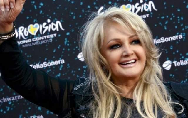 """В 2013 году она представляла Великобританию на """"Евровидении"""" с песней """"Believe in Me"""". Тогда же она выпустила свой последний альбом """"Rocks and Honey"""", куда был включен этот сингл."""