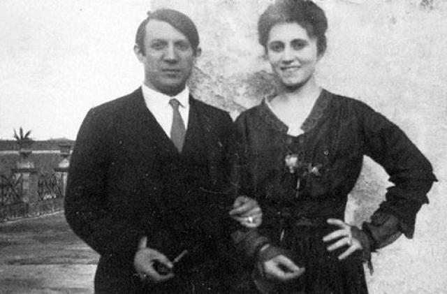 Ольга не смогла больше выносить холодность и неприязнь мужа и присутствие соперницы. После очередной семейной сцены в июле 1935 года она вместе с сыном покинула дом.