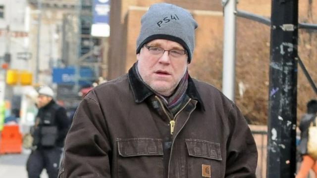 Актера Филипа Сеймура Хоффмана сфотографировали за два месяца до смерти бродящим по Манхэттону.