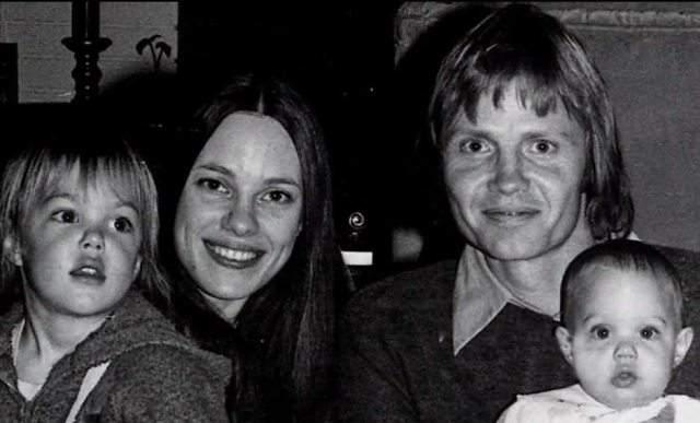 Анджелина Джоли. Сейчас, наверное, уже мало кто вспомнит, что когда-то родители Энджи, Джон Войт и Маршелин Бертран, были весьма известными актерами.