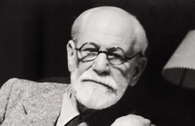 Зигмунд Фрейд. Знаменитый психоаналитик страдал от опухоли неба. Летом 1939 года Фрейд особенно сильно страдал от прогрессирующей болезни.