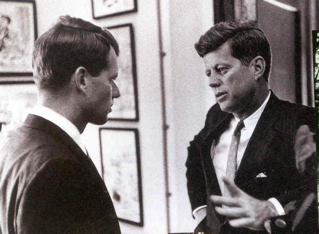 """После данного случая Джон Кеннеди стал избегать знаменитую актрису, но она не сдавалась и все время через его брата Роберта, с которым, кстати, у нее тоже была связь, пыталась """"выйти"""" на Джона."""