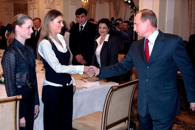 """Статья вызвала такой резонанс, что на пресс-конференции Путина в Италии 18 апреля 2008 года одна из журналисток спросила: """" ...Здесь, в Италии, я посмотрела итальянские газеты и с удивлением обнаружила, насколько популярна здесь тема Вашей предстоящей свадьбы с Алиной Кабаевой. Я хочу Вас спросить – как Вы ко всему этому относитесь лично… """""""