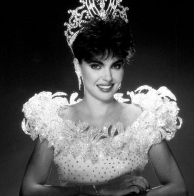 Барбара ПаласиосTейде, Венесуэла. «Мисс Вселенная — 1986». 22 года, рост 173 см.