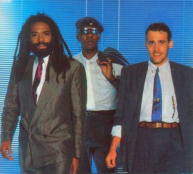 """Bad Boys Blue. Образованная в 1984 году группа в своем """"золотом"""" составе (Тревор Тэйлор, Джон МакИнерни и Эндрю Томас) выпустила около тридцати хит-синглов, попавших в чарты многих стран мира, в том числе и в США."""