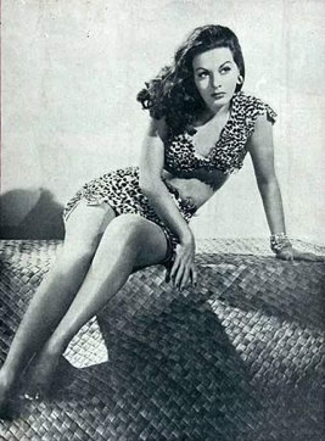 Рэмсей Эймс, 30 марта 1919 - 30 марта 1998. Эта американская актриса снималась в основном во второсортных фильмах, либо мелькала в эпизодах.