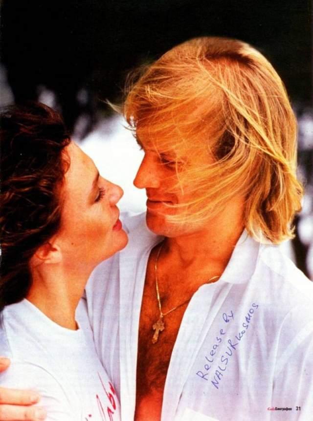 """Оба влюбились друг в друга практически с первого взгляда, актриса вспоминала: """"У меня было такое чувство, словно я знаю его всю свою жизнь… чувство, не поддающееся абсолютно никакой логике""""."""
