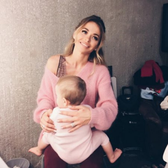 """Анна Хилькевич. Звезда сериала """"Универ"""" родила дочку Арианну в 2016 году, но также не спешила демонстрировать ее посторонним."""