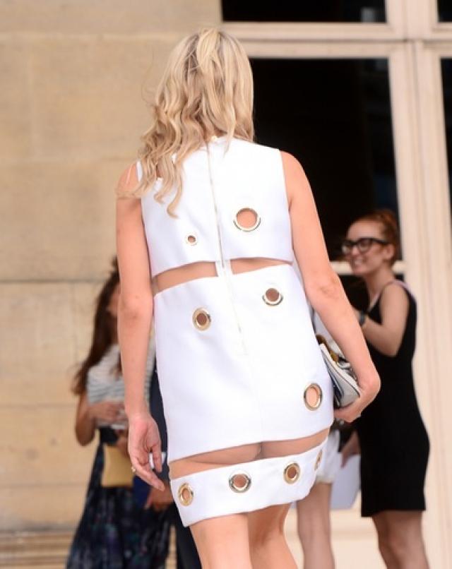 Ники Хилтон. Наследница многомиллионного состояния надела слишком короткий наряд на Парижской неделе моды.
