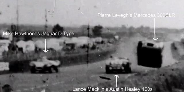 Его машина оторвалась от земли и полетела на левую сторону трассы, где она приземлилась на вершину земляной насыпи, которая отделяла зрителей от трассы.