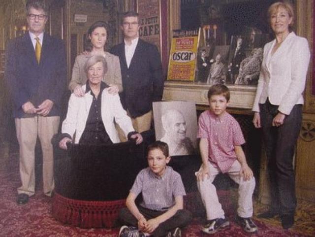Его семья не сможет поддерживать замок и продаст его в 1986 году, через три года после смерти актера.