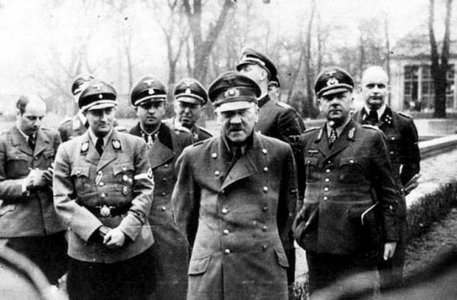 Адольф Гитлер. Диктатор покончил жизнь самоубийством 30 апреля 1945 года.