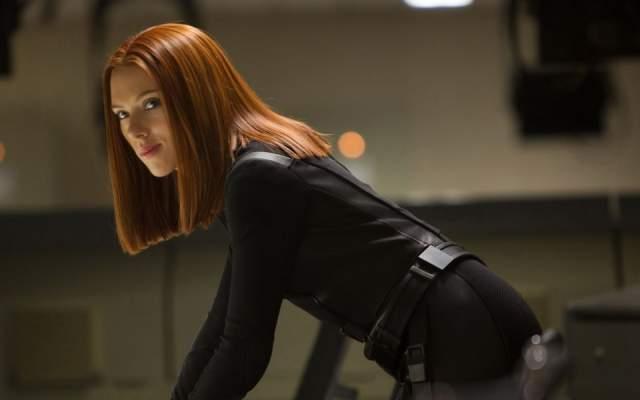 Героиня обладает полным комплектом навыков, необходимых, чтобы быть на уровне с супергероями-мужчинами.