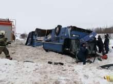 В Калужской области в ДТП с автобусом, перевозившим детей, погибли 7 человек