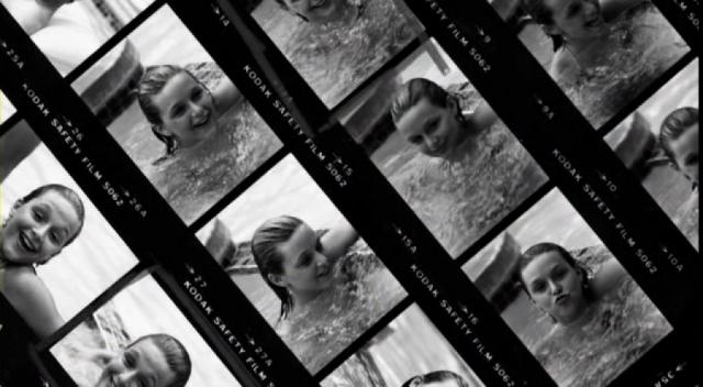 Полански, сделав несколько фотографий обнаженной Саманты, изъявил желание войти в воду сам, поинтересовался у Саманты, принимает ли она противозачаточные таблетки. После дважды совершил с ней половой акт.