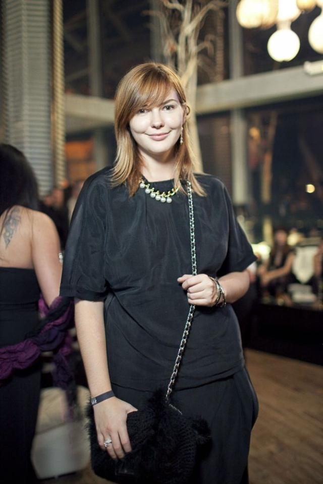 До недавнего времени она возглавляла редакцию интернет-портала о модных тенденциях Trend Space.