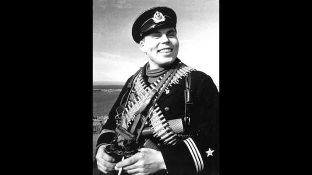 Дмитрий Овчаренко, (1919-1945). Советский солдат, участник Великой Отечественной войны, Герой Советского Союза.