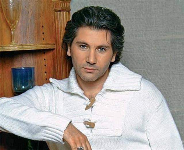 Авраам Руссо. 2 февраля 2004 года певца в бессознательном состоянии нашли на обочине Киевского шоссе в районе подмосковной Апрелевки.