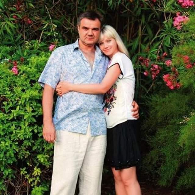 """""""Десять лет у нас с мужем не было детей. В какой-то момент я даже перестала об этом думать, потому что в очень молодом возрасте у меня случился выкидыш, через год – замершая беременность, а потом очень долго я не могла забеременеть. Если Господь даст мне еще ребенка, я буду счастлива""""."""