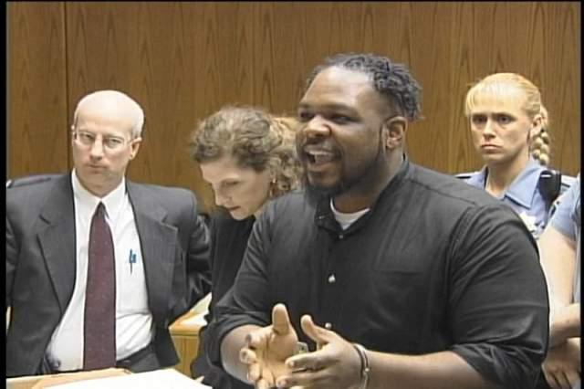Крэйг Прайс был задержан с перевязанной рукой, после чего в его комнате были найдены нож, перчатки и другие улики. 15-летний юноша также признался и в другом убийстве, которое совершил за два года до этого. Суд дал ему пожизненный срок.