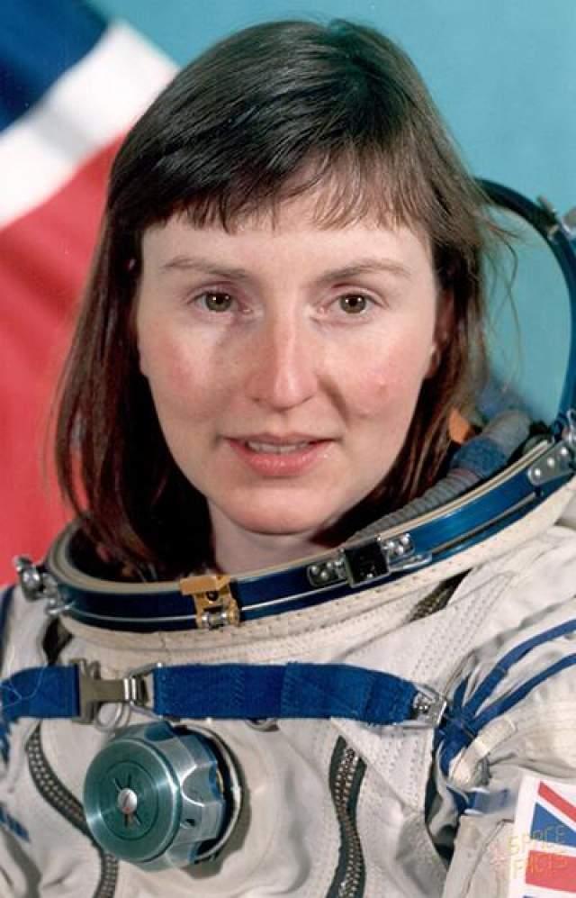 Великобритания - первая страна, чей первый космонавт - женщина. По состоянию на январь 2013 года Хелен Патрисия Шармен остается первым и пока что единственным британским космонавтом.