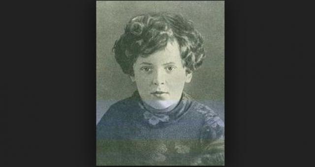 Лара Михеенко. В 14 лет девочке пришлось вступить в партизанский отряд, поскольку она с бабушкой оказалась на оккупированной территории.