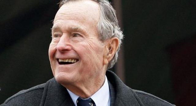 """Его отец, Джордж Буш-старший , ненавидел брокколи, не разрешал готовить ее в Белом доме и на рейсах Air Force One. Когда журналисты спросили, в чем причина, Буш ответил: """" Я не люблю брокколи. Не люблю с тех самых пор, когда я был ребенком и моя мать заставляла меня ее есть. Теперь я президент Соединенных Штатов, и я не буду больше есть брокколи! """"."""