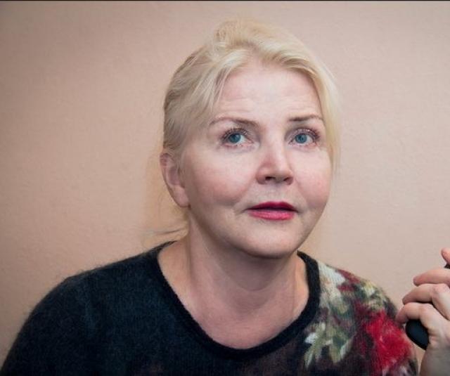 Супругом актрисы был актер театра Александр Скворцов, с которым они прожили в браке 32 года вплоть до его смерти в 2009. Дочь Светлана - журналист, после замужества живет во Франции вместе с мужем Антуаном.