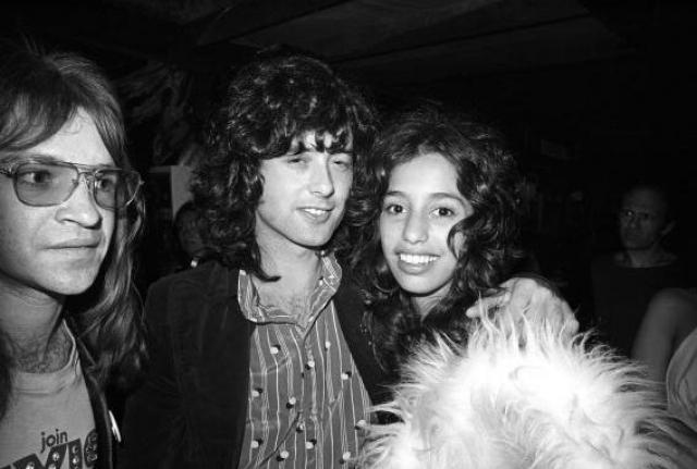 Джимми Пейдж. Лори Мэддокс была одной из группи в Лос-Анджелесе вначале 1970-х годов.
