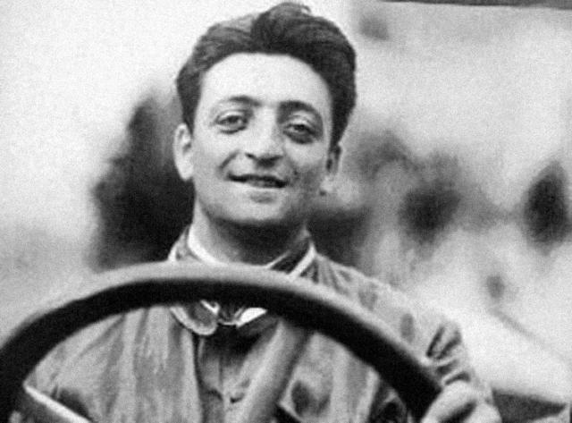 Ferrari. Итальянская компания, выпускающая спортивные автомобили. Основана в 1929 году Энцо Феррари. Автогонщик, Энцо достиг небывалых высот в производстве гоночных машин.