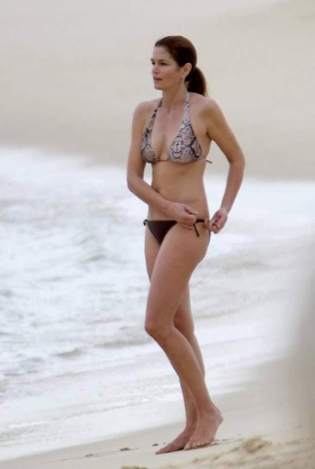 В свои 53 года Синди Кроуфорд выглядит невероятно сексуально!