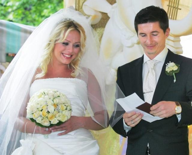1 июня 2006 года состоялась свадьба, а в декабре того же года родилась их дочка Вера.