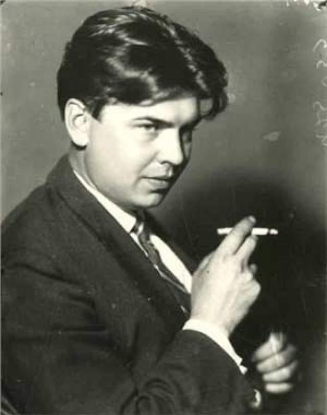 Леонид Леонов, 1899-1994. Знаменитый писатель встречался с предсказательницей часто, будучи одним из самых больших почитателей ее необыкновенного дара. Он говорил, что знал лично многих знаменитостей, включая Максима Горького и Иосифа Сталина, но Ванга произвела на него самое сильное впечатление.