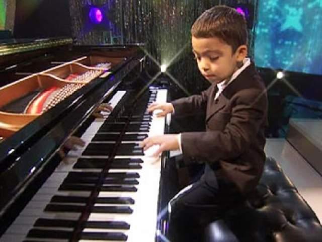 Дебют Итана состоялся в 2007 году. Сейчас мальчик регулярно дает собственные концерты. Кстати, в Лас-Вегасе Иван прославился как самый молодой хедлайнер (на тот момент ему было 10 лет), который когда-либо давал концерты в Лаг-Вегасе.