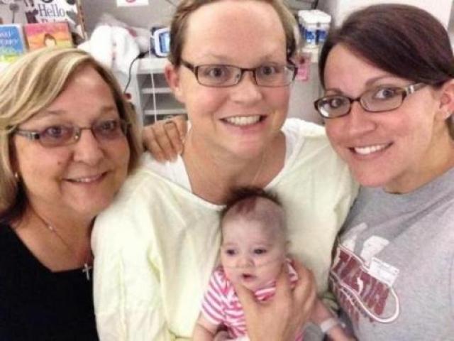 Медики полностью были поглощены младенцем, но один из врачей внезапно заметил, что пульс Эрики возобновился – медики не верили своим глазам. Остановившееся сердце женщины забилось. Восстановилось дыхание.