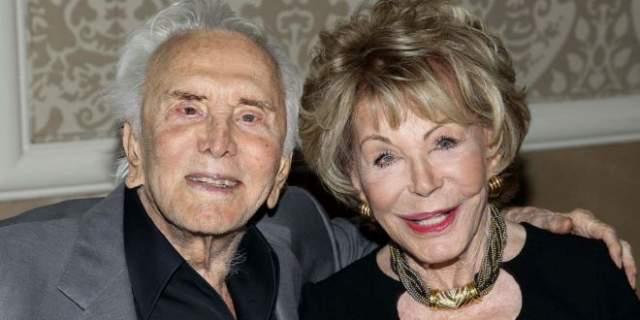 Все эти горести не сломили актера. Он продолжает радоваться жизни. В 2014 году Кирк Дуглас и его супруга Энн Байденс отпраздновали алмазную свадьбу - 60 лет. Секрет своего долголетия кинозвезда связывает со счастливым браком. Однако в 2015 году Энн скончалась в возрасте 92 лет.