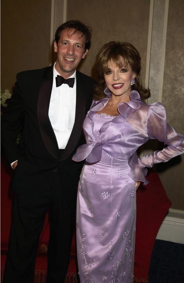 Последний муж Коллинз - Перси Гибсон , театральный менеджер, который моложе ее на 32 года. Они поженились в 2002 году, брак длится и по сей день.