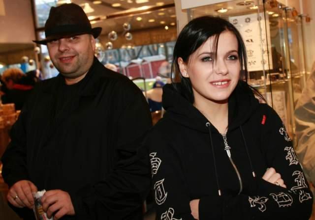 """Встреча Елены с Максимом Фадеевым стала знаковой для начинающей певицы, ведь именно продюсер предложил ей стать участницей группы """"Серебро""""."""