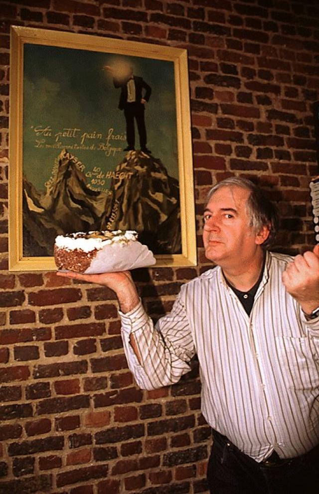 Преступником был Ноэль Годин, который и ранее бросал пироги и торты в знаменитостей. Он заявил, что его атаки с пирогами - символичная миссия против иерархии в современном обществе.