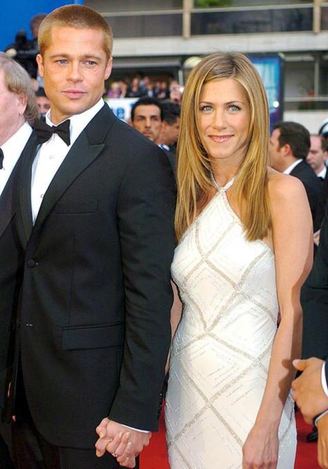 Дженнифер Энистон. Актриса вышла замуж за Брэда Питта 29 июля 2000 года в Малибу. Почти пять лет пара оставалась любимчиками зрителей и журналистов, но 7 января 2005 года было объявлено об их расставании.