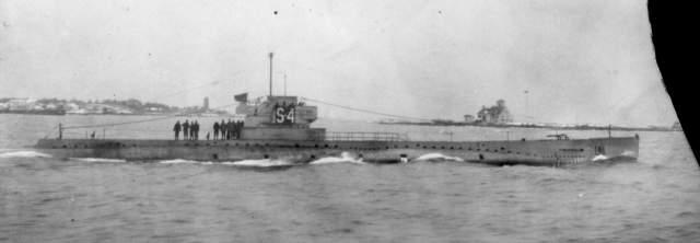 """Субмарина ВМС США SS-109 17 декабря 1927 года 40 человек погибли, когда американская подлодка """"SS-109"""" (USS S-4) затонула после того, как ее протаранил американский корабль береговой охраны у полуострова Кейп-Код."""