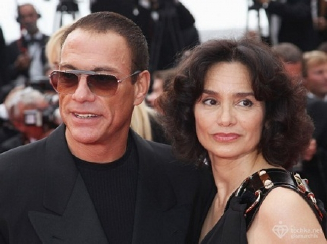 Жан-Клод Ван Дамм и Глэдис Португез впервые поженились в 1987 году и расстались через пять лет. В 1999 году снова поженились, но снова расстались через 16 лет.