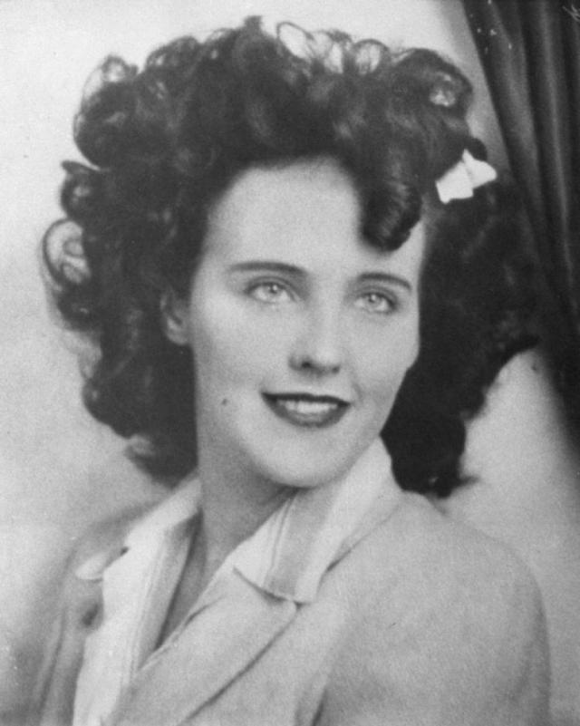 """Элизабет Шорт. Актриса по прозвищу """"Черный георгин"""" была восходящей голливудской звездой, когда стала жертвой страшного убийства, остающимся одним из самых жестоких и загадочных преступлений в США."""