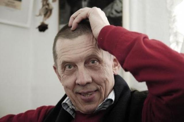"""Валерий Золотухин (71 год). Актер умер в 2013 году от рака мозга. В последние дни своей жизни актер находился в стабильно тяжелом состоянии. Врачи оказались бессильны перед буквально """"сжирающим"""" артиста раком мозга."""